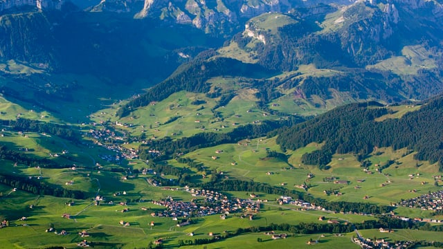 Luftbild der Dörfer Steinegg und Weissbad