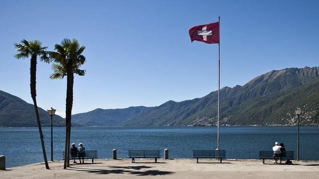 Riva dal Lago Maggiore tar Ascona.