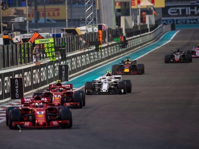 Formel-1-Fahrer während eines Rennens.