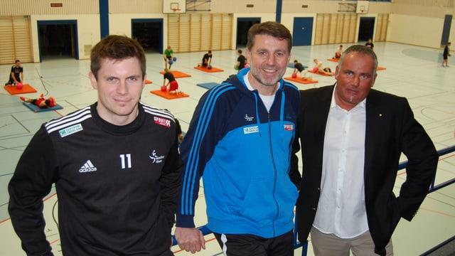Wacker-Captain Roman Caspar (links), Trainer Martin Rubin (mitte), CEO Fred Bächer.