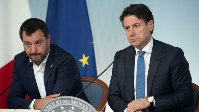 Matteo Salvini (links) und Giuseppe Conte