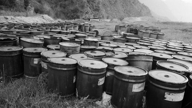 Die Giftmuelldeponie der Walliser Chemiewerke Lonza im Gamseried bei Gamsen, Kanton Wallis, aufgenommen am 30. April 1987.