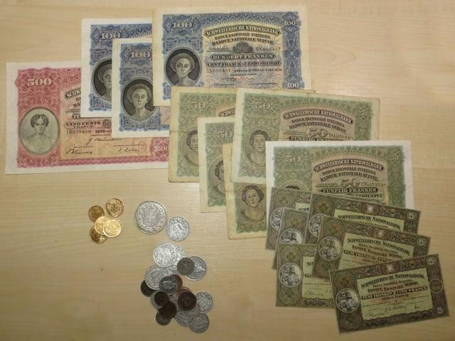 Noten und Münz aus 1914