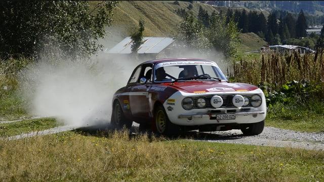 Auto istoric al prolog en Val tujetsch l'onn 2016.