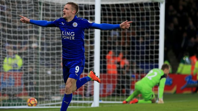 Leicesters Goalgetter Jamie Vardy bejubelt einen Treffer