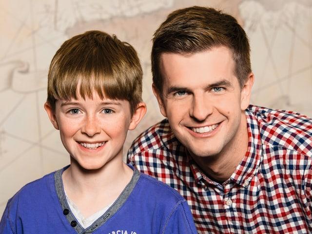 Joshua Broger (13) aus Trogen AR mit seinem Paten Nicolas Senn.