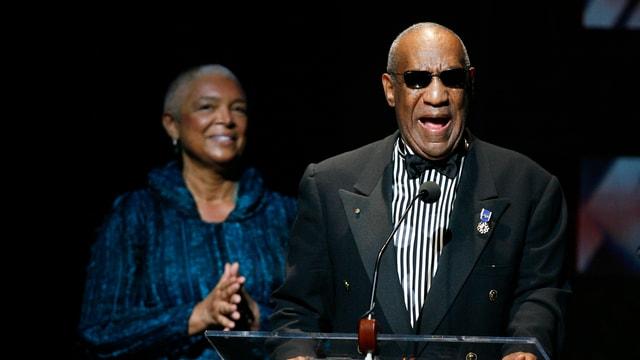 Camille und Bill Cosby auf der Bühne