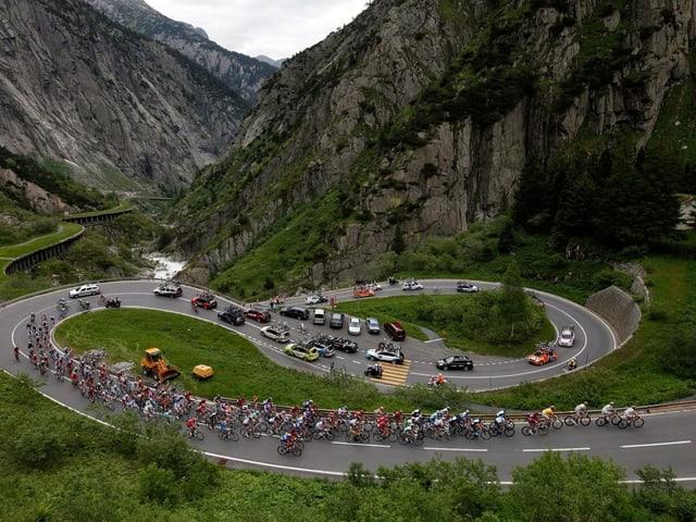 Auftieg nahe Andermatt der Tour de Suisse