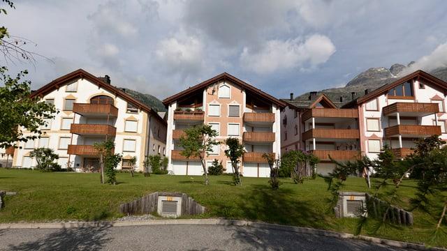 Drei Engadiner Häuser