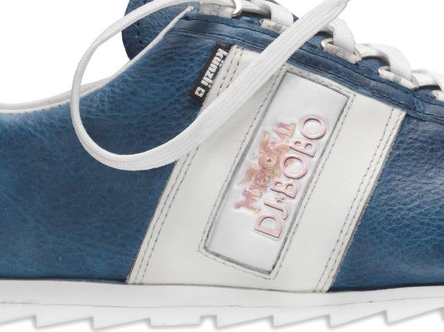 Schuh mit DJ Bobo Applikation
