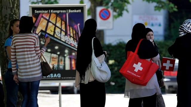 Giuvenils muslims en Svizra.