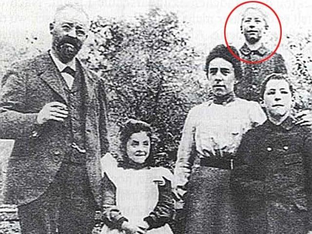 Oskar Bider im Kreise seiner Familie.