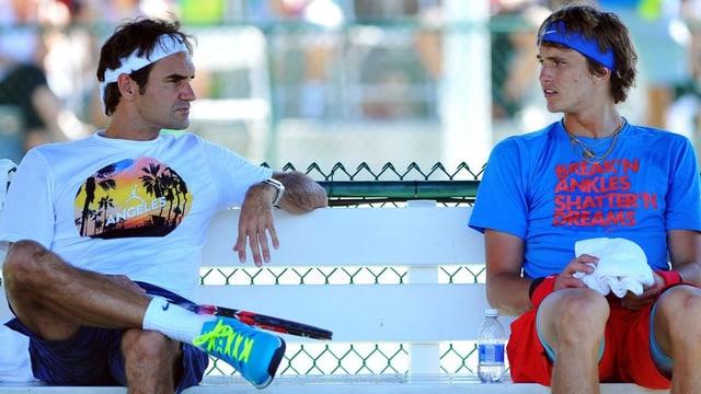 Roger Federer und Alexander Zverev.