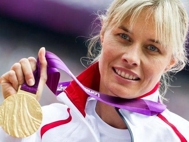 Edith Wolf-Hunkeler sicherte sich an den Paralympics Gold über 5000 m.