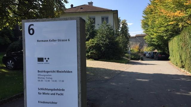Eingang Bezirksgericht Rheinfelden