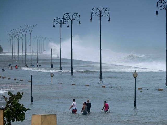 Die Sturmfluten von Hurrikan «Irma» sorgten an der Uferpromenade von Havanna für Hochwasser.