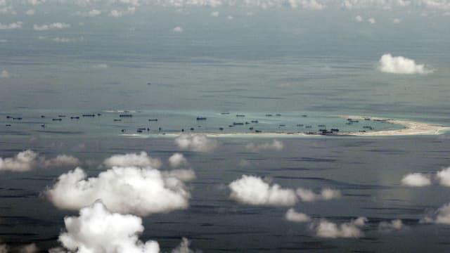 Luftaufnahme auf die umstrittenen Spratley-Inseln im südchinesischen Meer