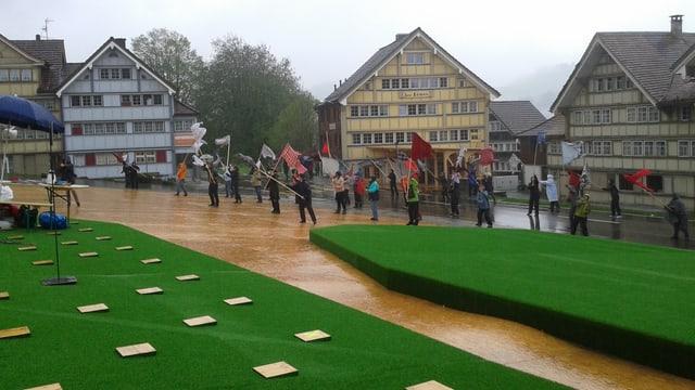 Die Schauspieler auf dem Landsgemeindeplatz Appenzell
