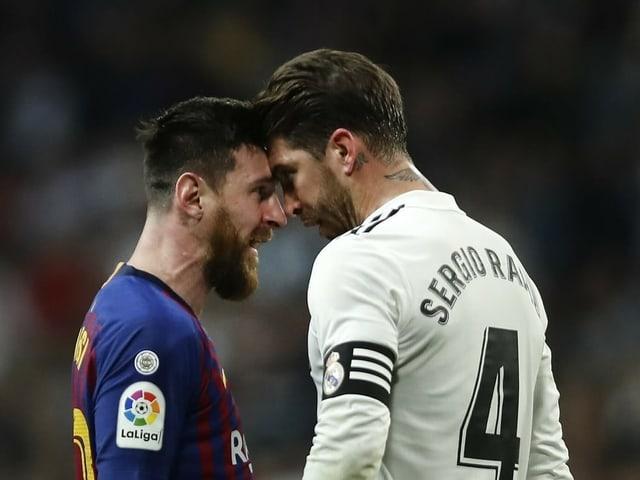 Lionel Messi (l.) und Sergio Ramos.