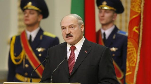 Alexander Lukaschenko hält eine Rede.