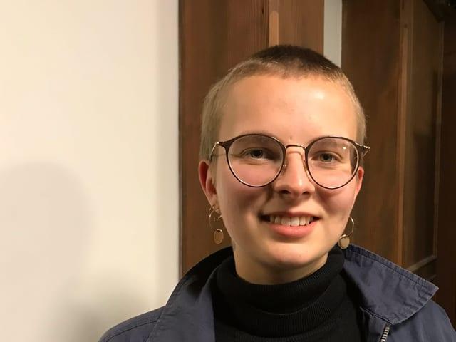 Mirjam Hostetmann mit Brille