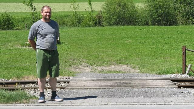 Landwirt an ungesichertem Bahnübergang in Wolfenschiessen