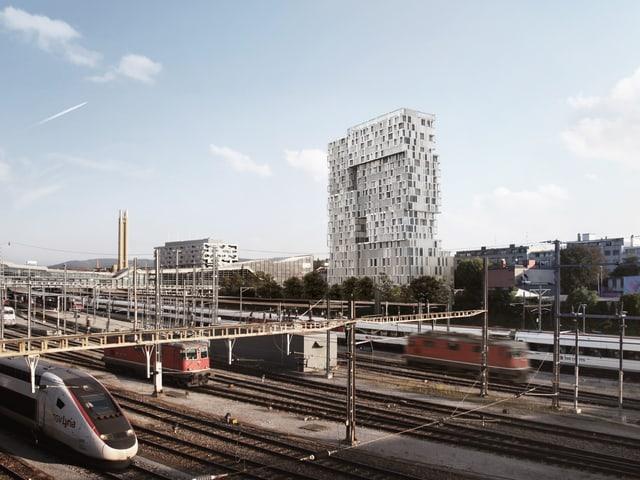 Meret Oppenheim Hochhaus, davor Gleise und Züge
