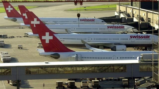 Swissair-Flugzeuge am Flughafen Zürich-Kloten.