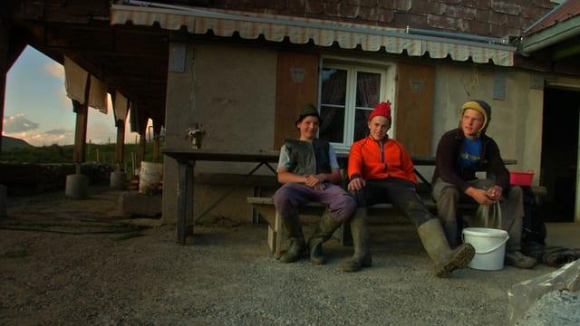 Video «Wir von da oben -Generationenwechsel auf der Alp» abspielen