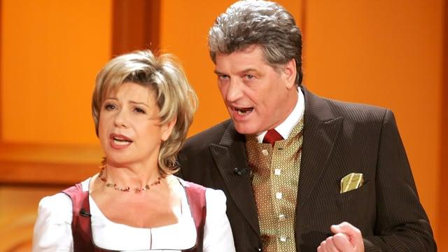 Das Gesangsduo Marianne und Michael singt waehrend der Generalprobe zur TV-Show «Krone der Volksmusik» in der Stadthalle in Chemnitz am 8. Jan 2005.