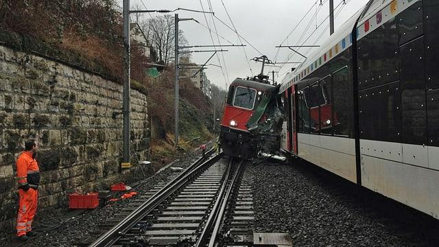 Zerstörte Lokomotive in Neuhausen.
