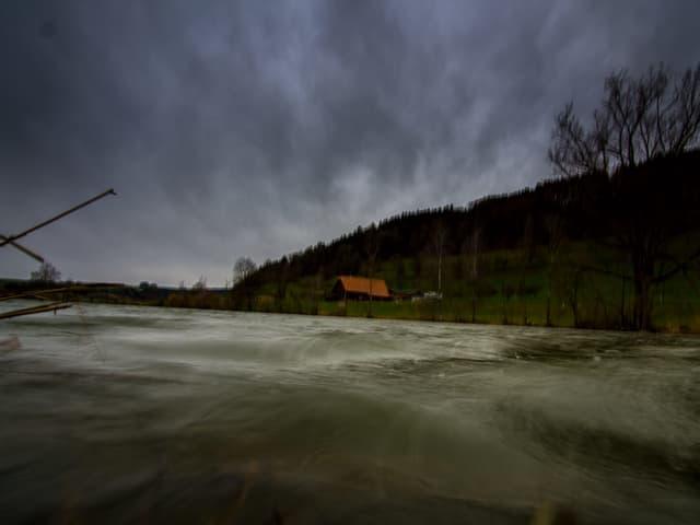 Der Wind peitscht gegen Mittag über Egolzwil (LU) hinweg.