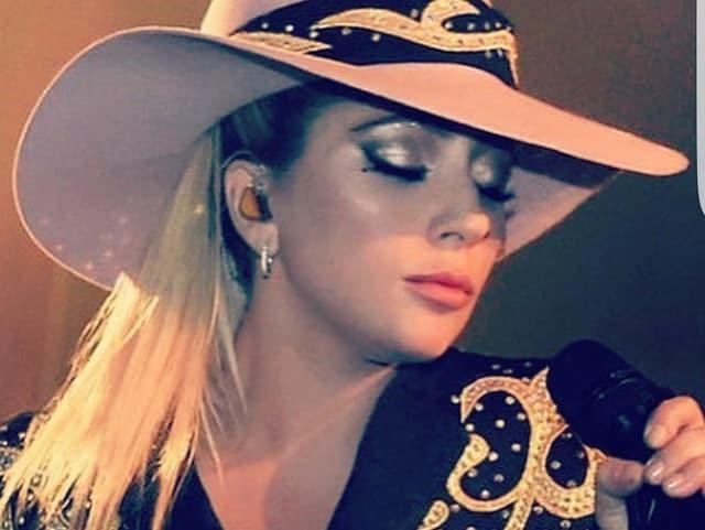 Lady Gaga als Cowboy im neusten Clip.