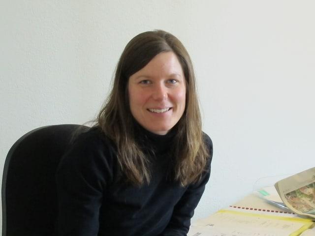 Beatrice Fuchs im Büro.