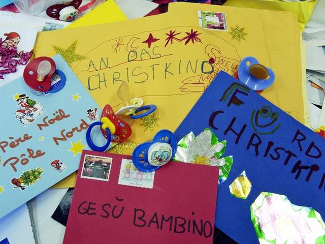 Birefe ans Christkind und Weihnachtsmann