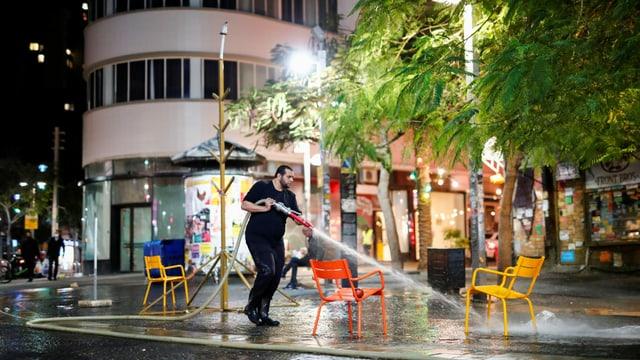 Zu sehen ein Platz in Tel Aviv.