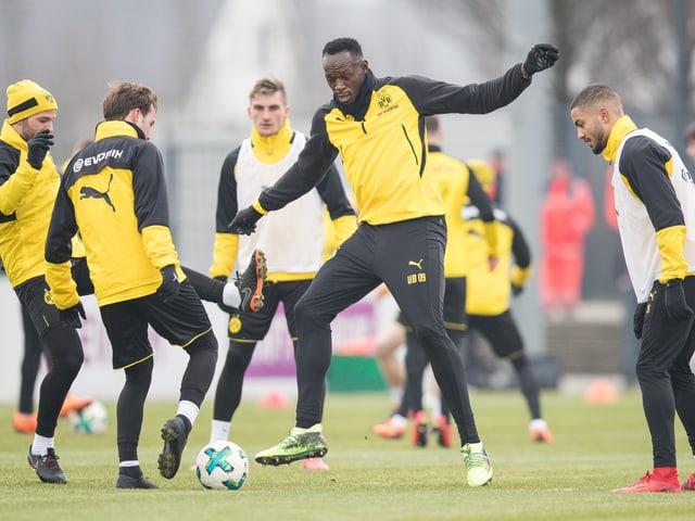 Usain Bolt im BVB-Training beim 4 gegen 1.