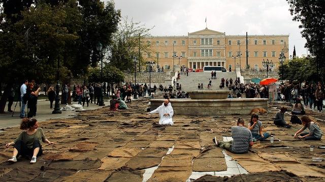 Stofftücher auf dem Syntagma Platz in Athen