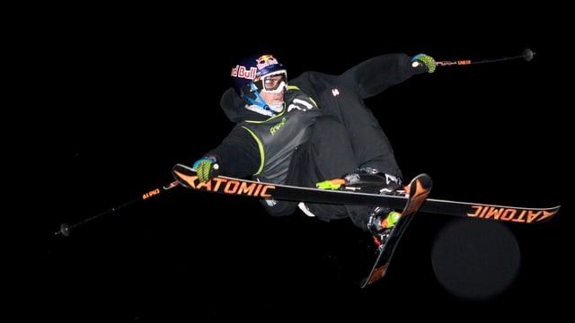 Elias Ambühl gehört zu den besten Ski-Freestylern der Welt.