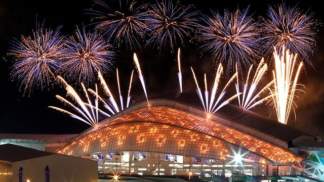 Auch in Sotschi darf an der Eröffungsfeier Feuerwerk nicht fehlen.