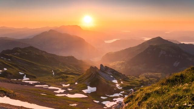 Sonnenaufgang beim Steinalper Jöchli