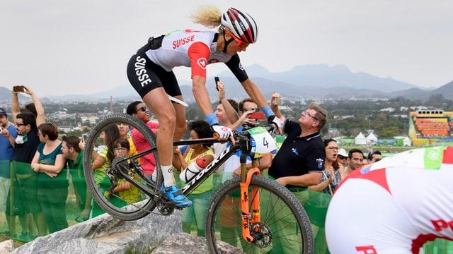 Jolanda Neff auf dem Stöckli-Mountainbike an den Olympischen Spielen in Rio.
