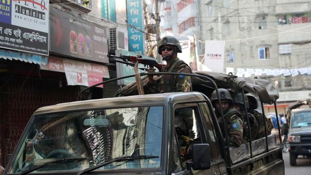 Soldaten in Dhaka.