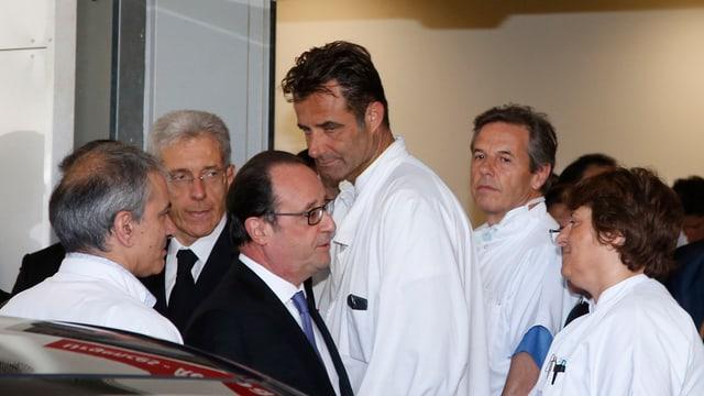 François Hollande en discurs cun medis a Nizza.