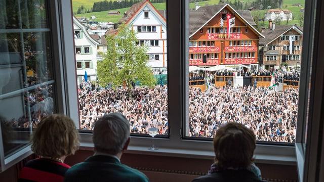 Zuschauer an Landsgemeinde