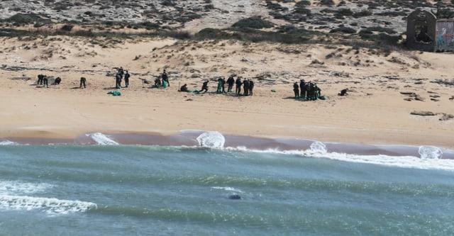 Zu sehen Soldaten am Strand in Israel.