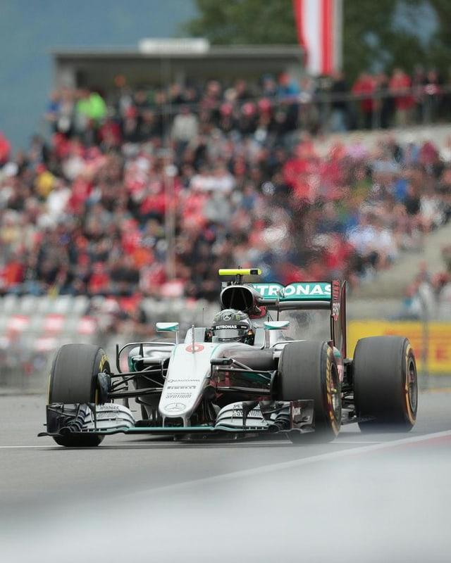 Rosberg en ses Mercedes durant la cursa.