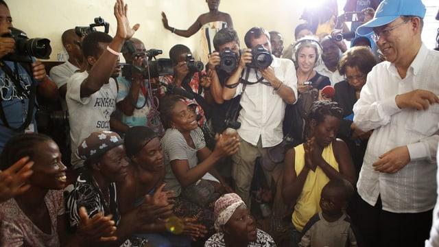 Ban Ki Moon visita il Haiti.