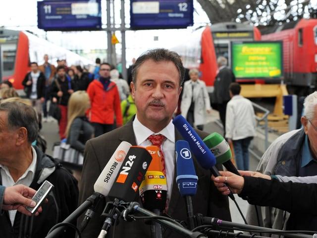 GDL-Chef begründet den Streik vor Medienschaffenden in Frankfurt