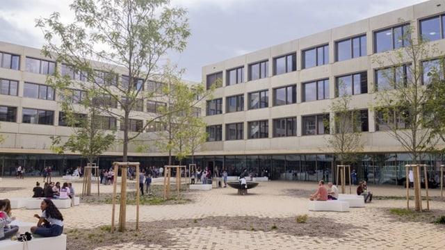 Innenhof der neuen Schule